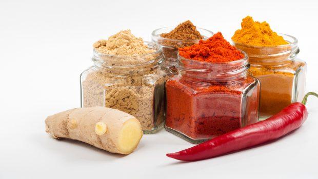 Spezie per chi fa sport: curcuma, pepe nero, peperoncino, cannella e zenzero