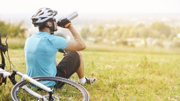 """L'idratazione dello sportivo, il medico dello sport: """"Ecco quanto e quando bere"""""""