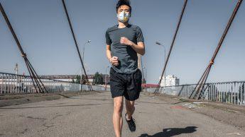 Coronavirus, mascherina quando si corre? Il virologo: