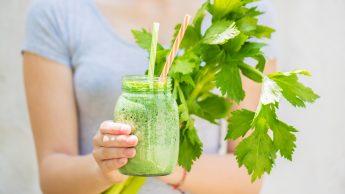 Dieta per la circolazione: gli alimenti contro il gonfiore da sedentarietà