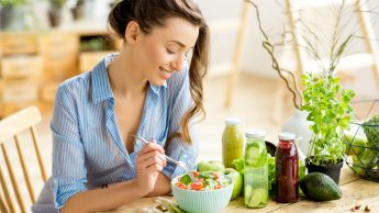 Mindful eating, il decalogo dell'alimentazione consapevole: