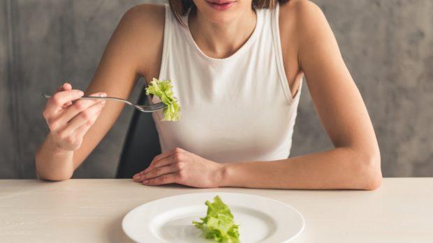 """Ortoressia: quando mangiare sano diventa un'ossessione nociva. Erzegovesi: """"Si rischia anche la denutrizione"""""""