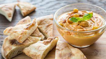 Hummus, snack ideale per chi fa sport. La dietista: