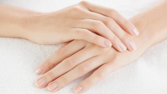 La dieta per unghie sane e forti: aminoacidi, vitamine, minerali. Ecco quali sono quelli giusti