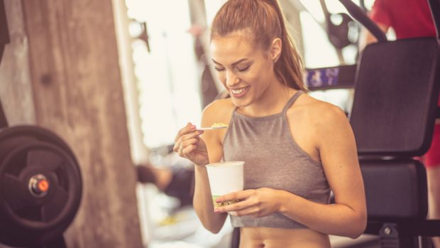 Che cosa mangiare prima e dopo l'allenamento? Risponde la dietista