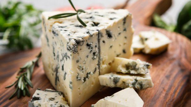 Gorgonzola: formaggio privo di lattosio e ricco di proteine. Ma attenti ai grassi...