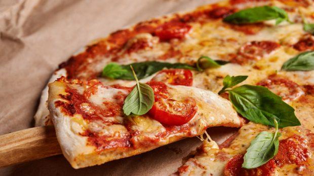 Dipendenza da pizza: ecco che cosa la fa scattare