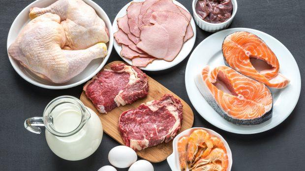 """Dieta Dukan: fasi e alimenti previsti. La nutrizionista: """"Ecco perché non è equilibrata"""""""
