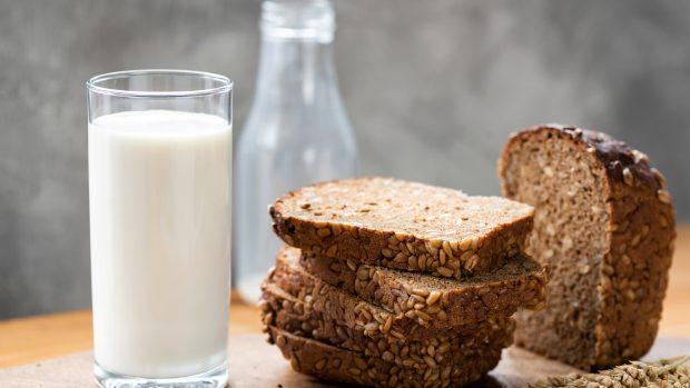 Dieta Mayr, schema e menu tipo, partendo da pane e latte