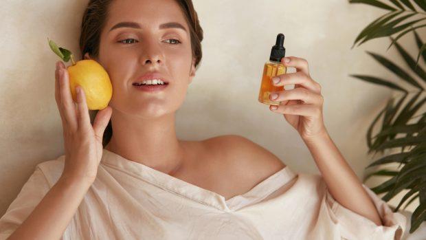 Vitamine per la pelle, nella dieta e nelle creme: quali sono le più utili