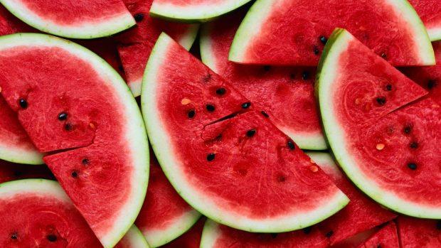 Anguria: benefici, controindicazioni, proprietà nutrizionali e calorie