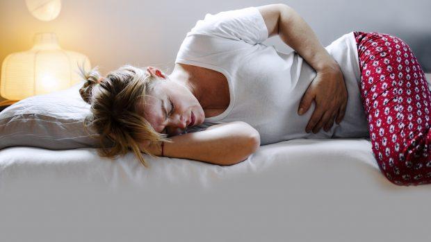 La dieta per il ciclo: gli alimenti che aiutano a combattere i dolori mestruali