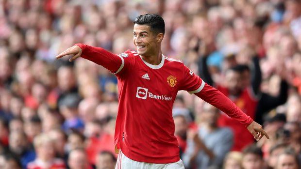 Cristiano Ronaldo esulta per un gol nella partita d'esordio con il Manchester United