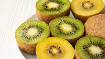 Kiwi gialli, mini, verdi: le proprietà nutrizionali e i benefici per il sistema immunitario